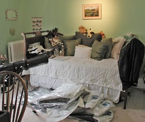 clutter-before-home-staging
